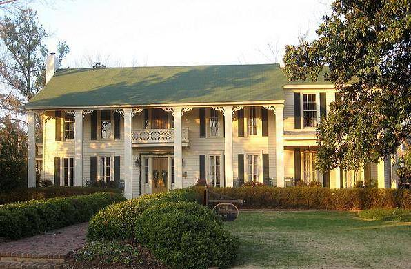 Isom place is oxford treasure site of ole miss charter for Home builders ms