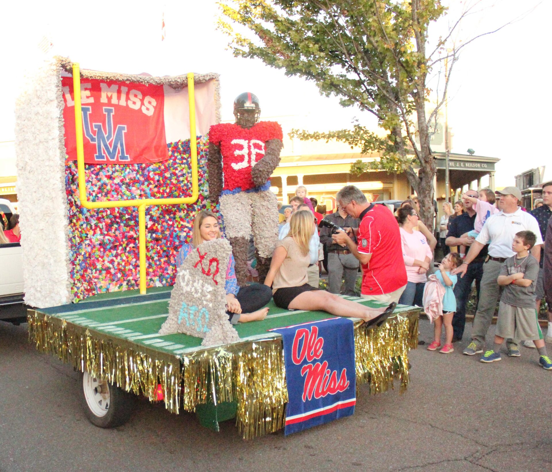 Float Decorations: Homecoming Parade: Colorful Floats And Rebel Spirit