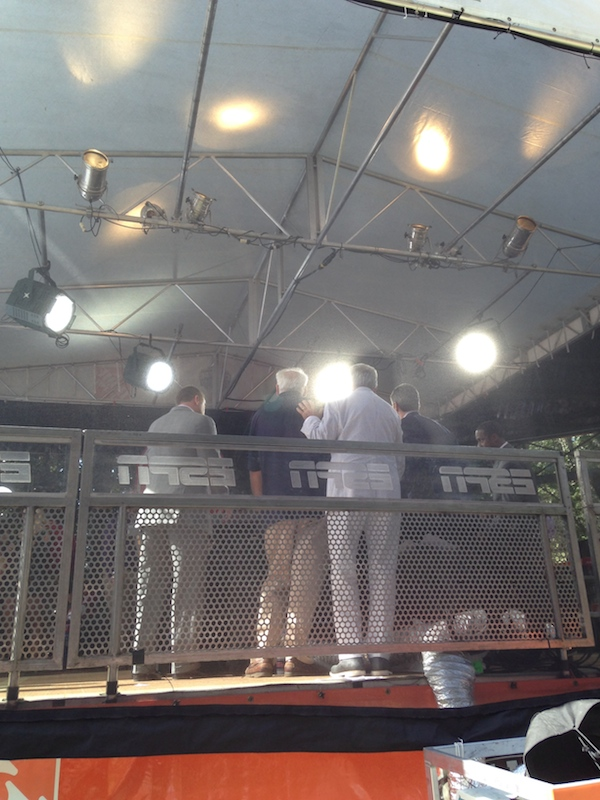 Fans behind-the-scenes got a wonderful opportunity to stop and pose with the ESPN College GameDay reporters