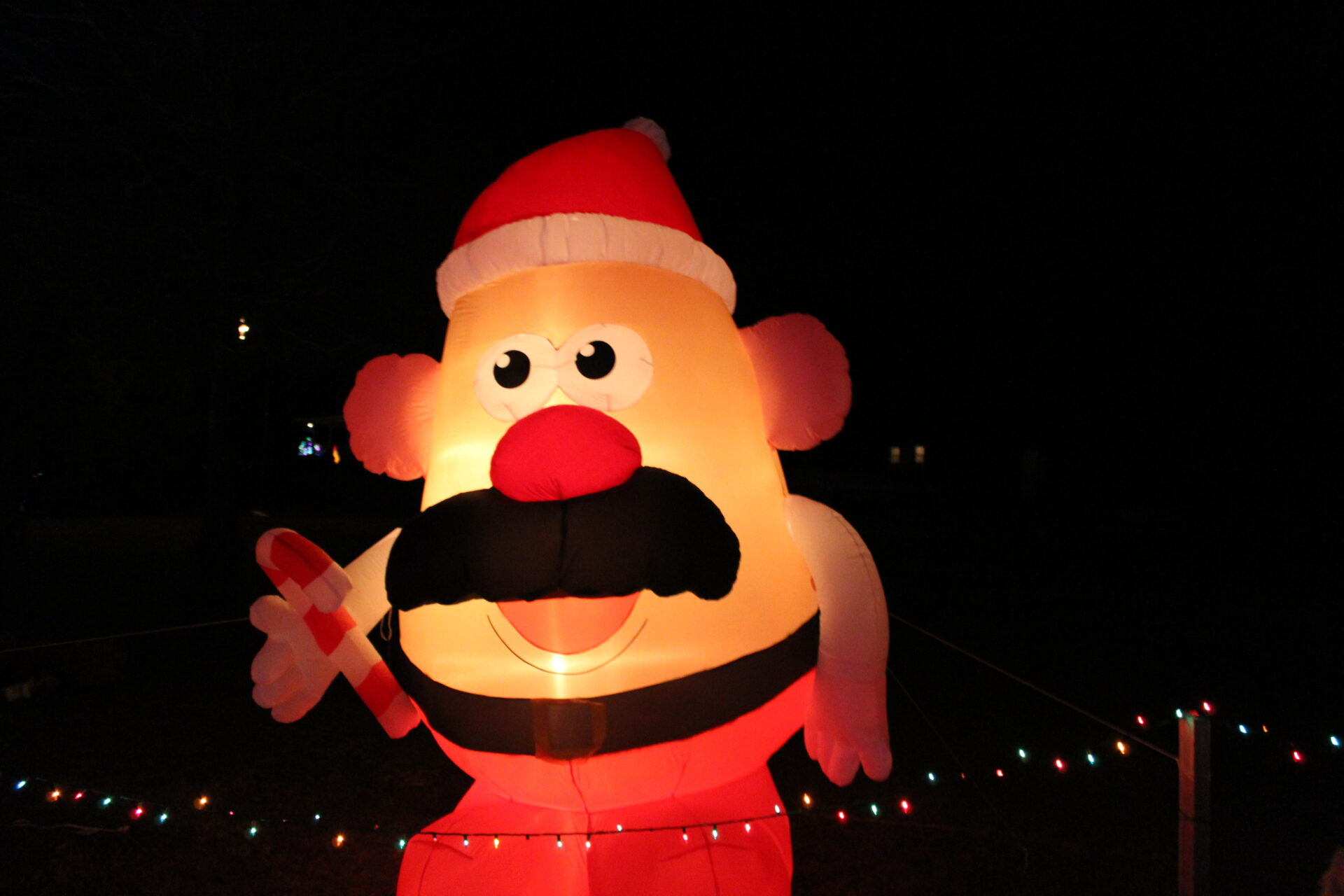 Christmas At Cotton Plant Is World's Largest Inflatable Light ...