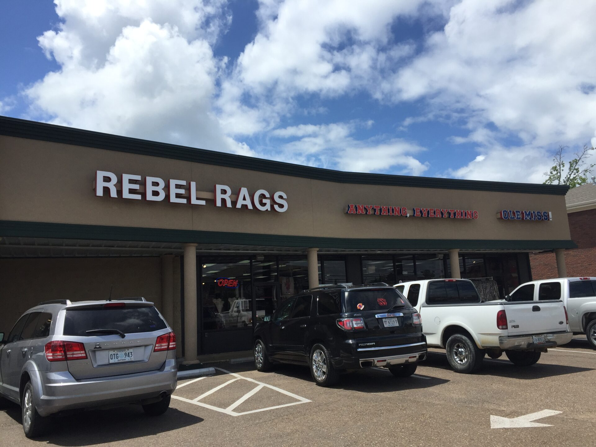 Mississippi-Clothing Store Lawsuit