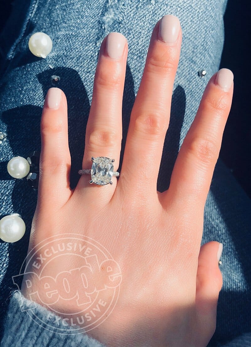 Country Singer Brett Young Proposes To Girlfriend In Oxford