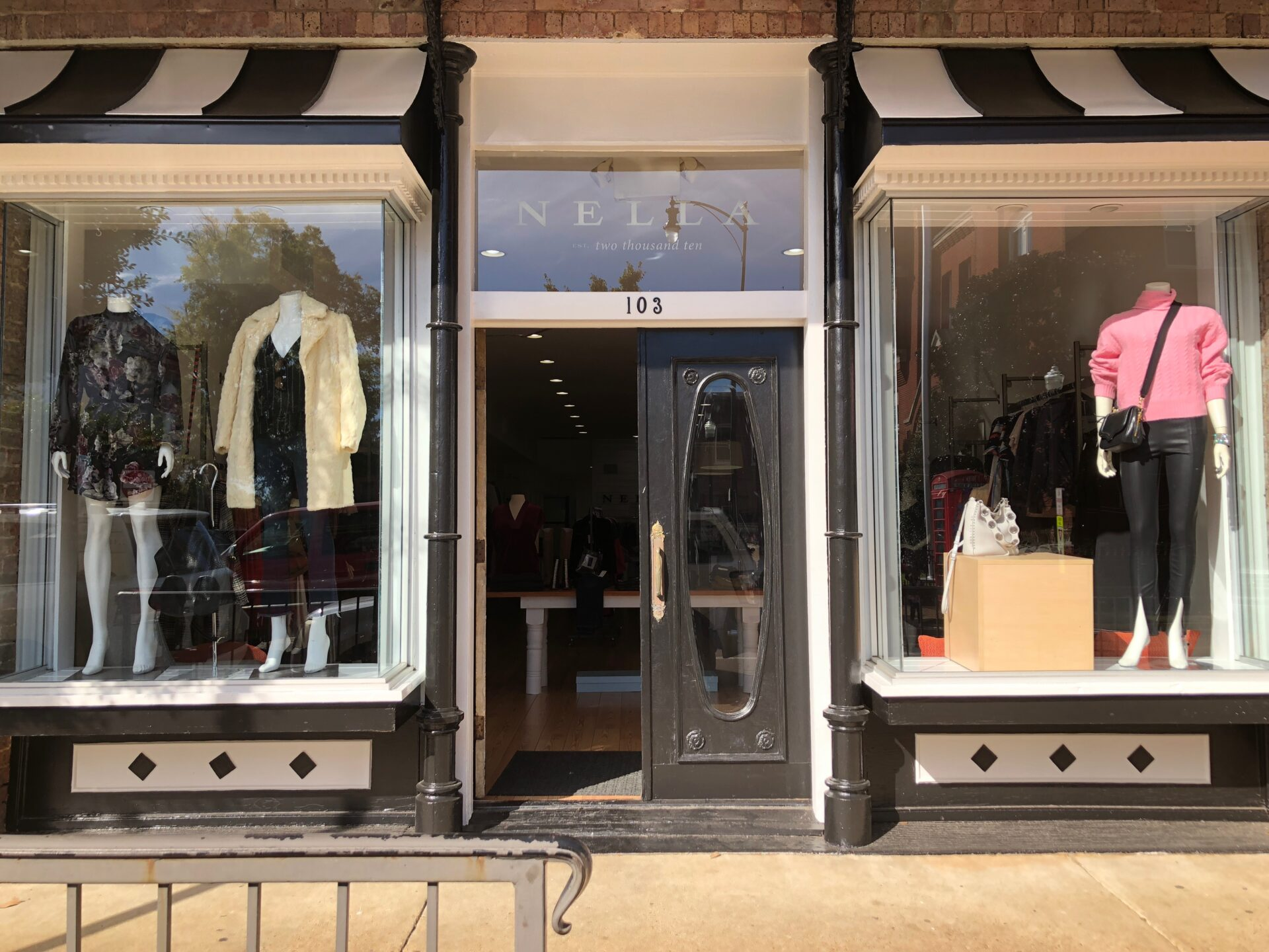 """68f097688fc New Nella Owner Seeks to Create """"Chic"""" Atmosphere at Oxford s Staple  Boutique"""