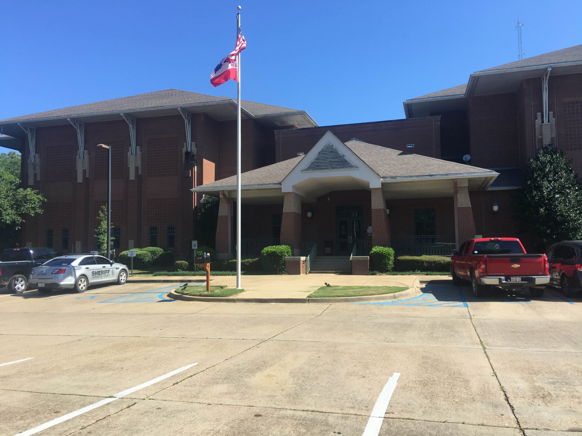 Sheriff's Department to Move Out of Detention Center - HottyToddy.com